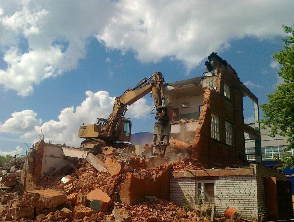Демонтаж домов и сооружений в Санкт-Петербурге
